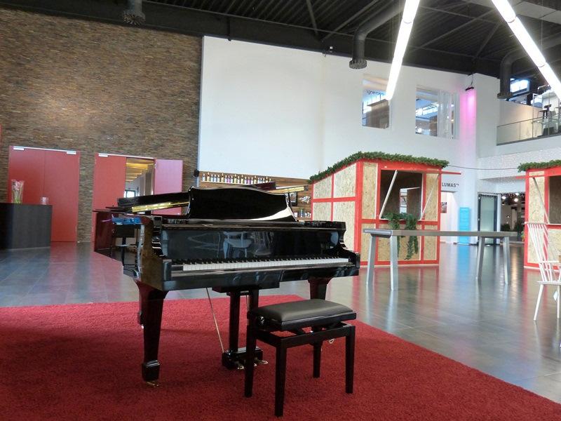 Bild zu Klaviere oder Flügel bequem und günstig mieten!